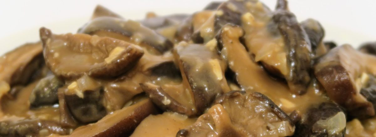 Instant Pot Pidpenky – Dried Mushrooms with Gravy
