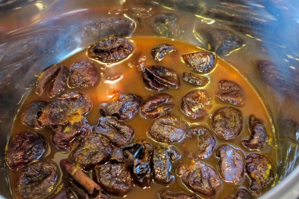Cooked prunes after just 4 minutes of pressure cooking