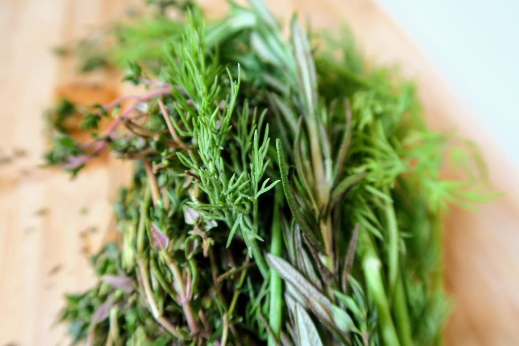 Mixture of thyme, dill and rosemary