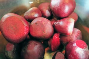Steamed beets in the Instant Pot